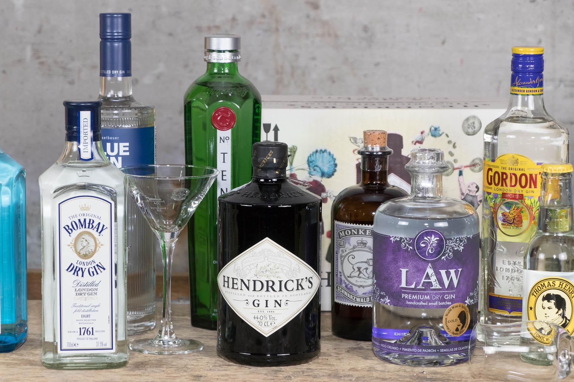 gin kaufen in salzburg und gin tonic mixen der beliebteste longdrink. Black Bedroom Furniture Sets. Home Design Ideas